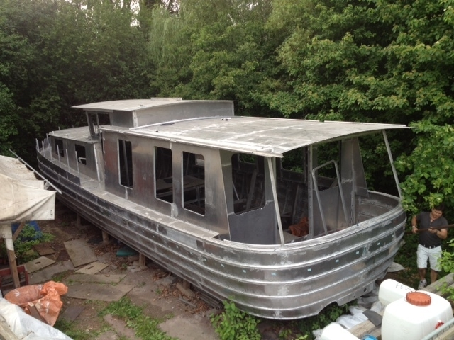 wir bauen ein aluminium flu boot we are building an aluminum riverboat. Black Bedroom Furniture Sets. Home Design Ideas